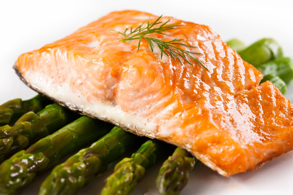 Heart healthy recipe feature baked salmon with se asian for Fish and asparagus